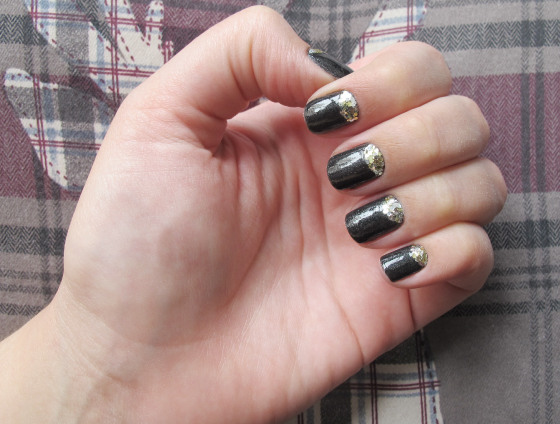 unhas-de-segunda-nyfw-inspired-badgley-mischka-glitter-milani-silver-gold-grafite-risque-chao-de-estrelas-meia-lua-glitter