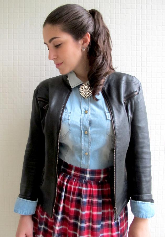 look-do-dia-bon-prix-saia-xadrez-tartan-camisa-jeans-jaqueta-couro-scarpin-nude-Bon-Prix-2