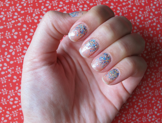 unhas-de-segunda-unhas-decoradas-nail-art-ombre-glitter-milani-sugar-high-gold-label-unhas-diferentes