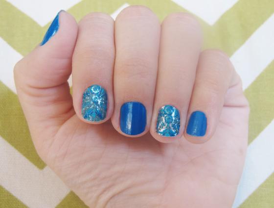 unhas-de-segunda-unhas-decoradas-unhas-diferentes-e-nail-art-adesivos-marchesa-revlon-hippie-chic-colorama-adesivos