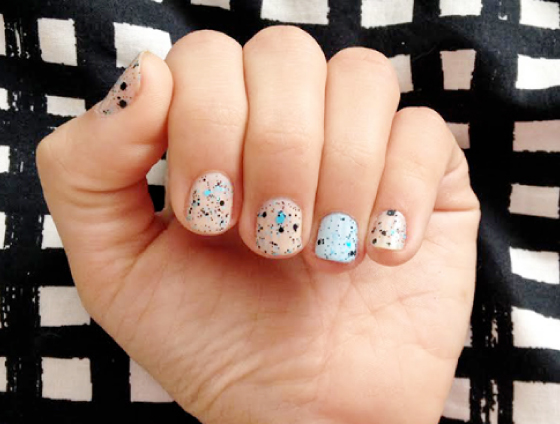 unhas-de-segunda-unhas-decoradas-unhas-diferentes-nail-art-esmalte-maybelline-gap-risque-cocker-street-art-