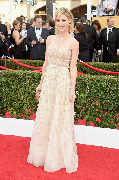 julie-bowen-sag-awards-look-red-carpet
