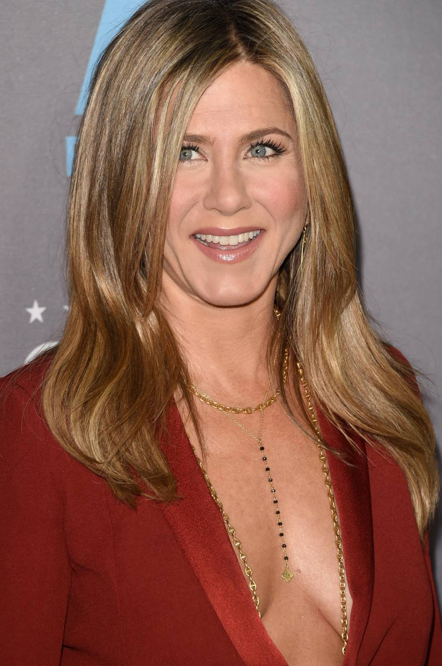 jennifer-aniston-body-chain-colar-red-carpet-tapete-vermelho