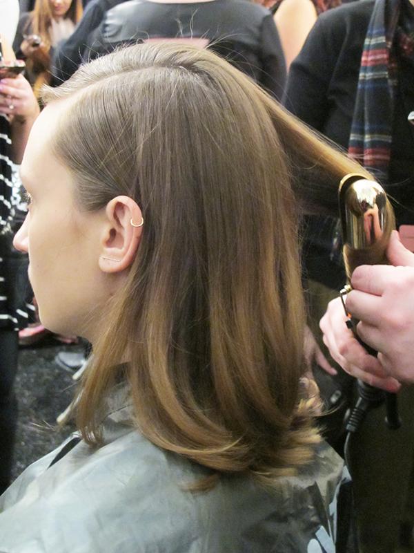 nyfw-mbfw-desfile-tadashi-shoji-vestido-glitter-mac-cosmetics-dourado-ideia-make-carnaval-beleza-beauty-look-products-used-produtos-fashion-moda-cabelo-hair-redken