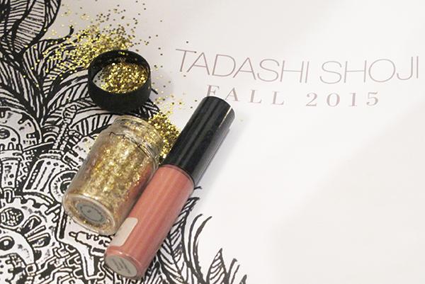 nyfw-mbfw-desfile-tadashi-shoji-vestido-glitter-mac-cosmetics-dourado-ideia-make-carnaval-beleza-beauty-look-products-used-produtos-fashion-moda