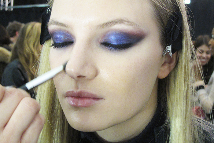 monique-lhuillier-nyfw-mbfw-fall-2015-fw-15-makeup-beauty-beleza-maquiagem-mac-cosmetics-bold-eyes-lips-retro-matte