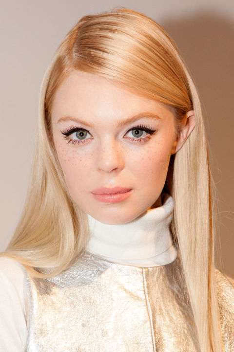 rachel-zoe-twiggy-mac-charlotte-tilbury-sardinhas-trend-tendencia-freckles-60s