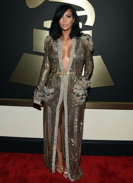 kim-kardashian-grammy-2015-red-carpet-tapete-vermelho-look-