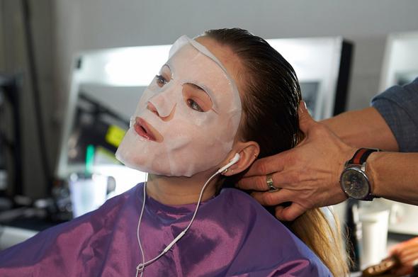beauty-beleza-mascara-facial-backstage-desfile-de-moda-modelos-semana-de-moda