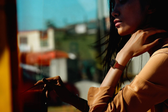 david-sims-shoots-apple-watch-editorial2
