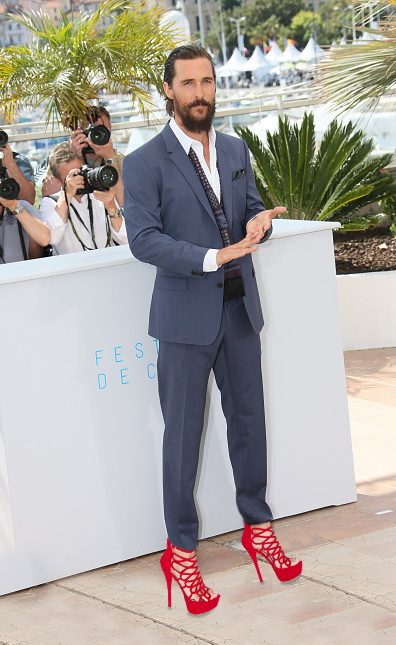 """CANNES, FRANCE - MAY 16:  Matthew McConaughey attends the """"The Sea of Trees"""" photocall during the 68th annual Cannes Film Festival on May 16, 2015 in Cannes, France.  (Photo by Tony Barson/FilmMagic)"""