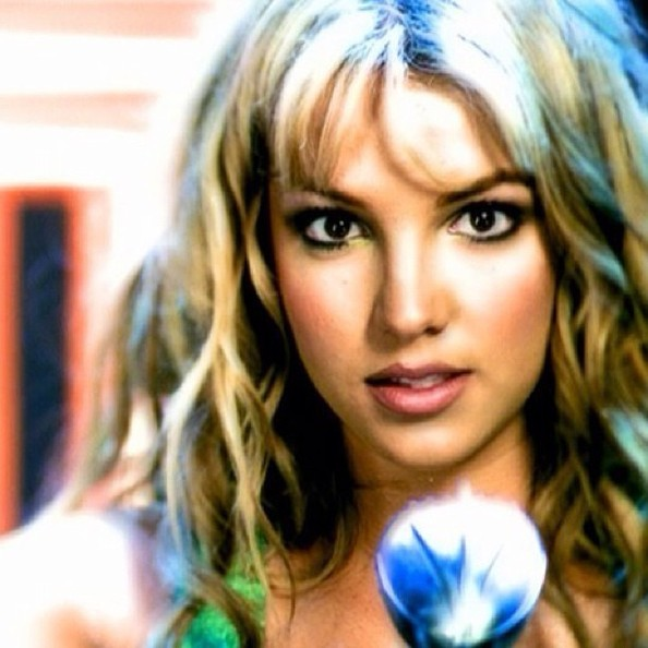makes-beleza-cabelo-britney-spears-clipes-anos-90-90s