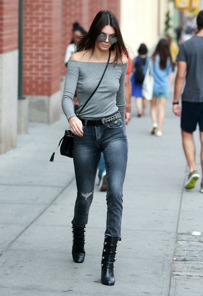 Kendall+Jenner+Kendall+Jenner+Steps+out+New+ZgieC3DX-Dtl