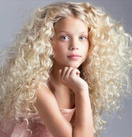 criancas cabelo natural cachos afro alisamento em criancas meninas 5
