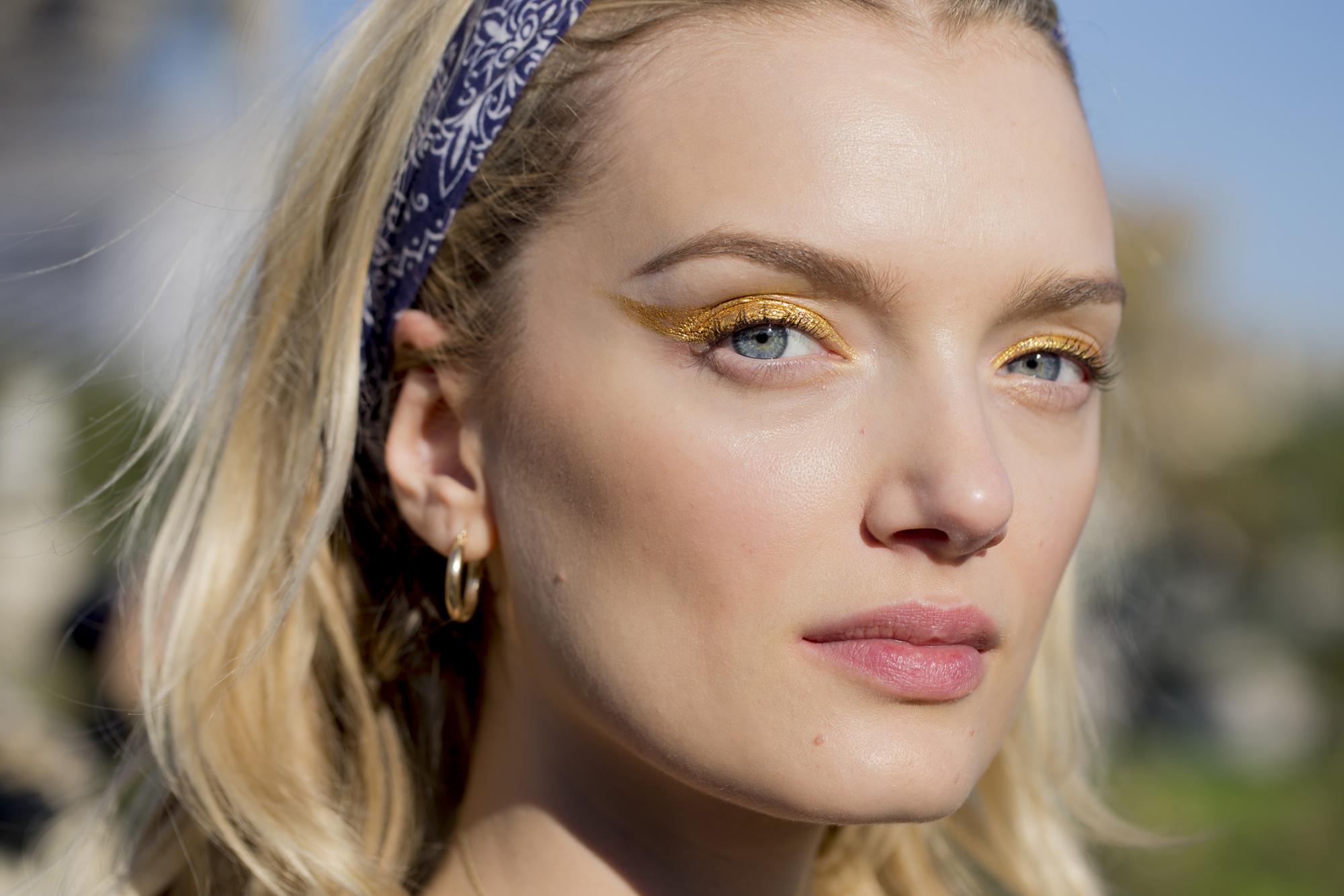 pat-mcgrath-kim-kardashian-makeup-maquiagem-beleza-pigmento-sombra-linha-gold-001