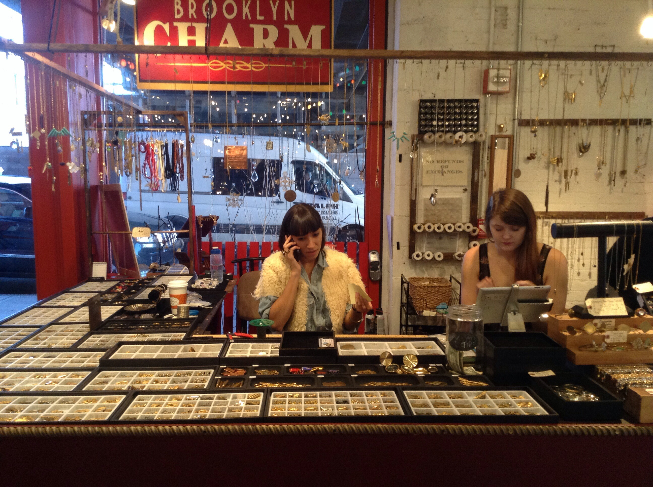 ny-nyc-nova-york-brooklyn-charm-colar-chelsea-market-dica-blog-acessorio-williamsburg