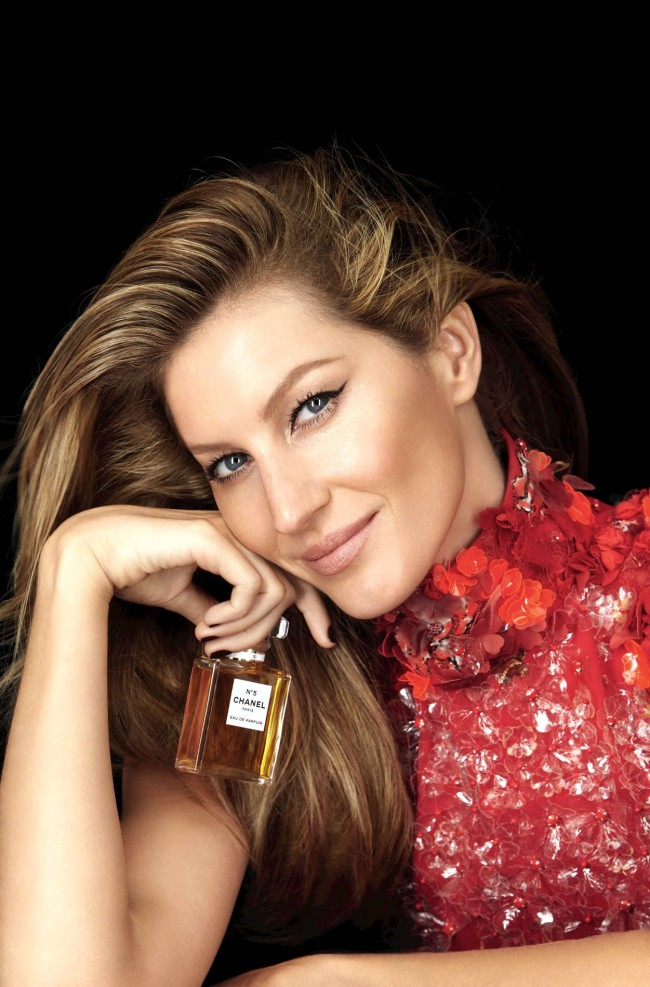 gisele chanel natal patrick demarchelier perfume chanel no 5