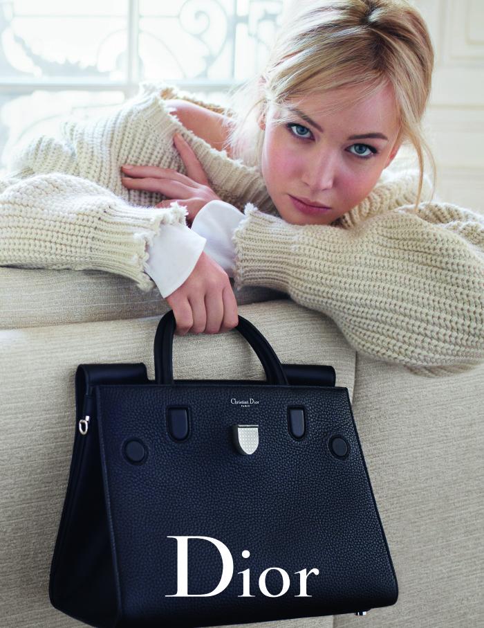 894dd4715ebe9 ... o novo lançamento da bolsa da marca, a Diorever – que por sua vez  também é linda. Olha só as fotos da campanha feitas por Mario Sorrenti em  Paris