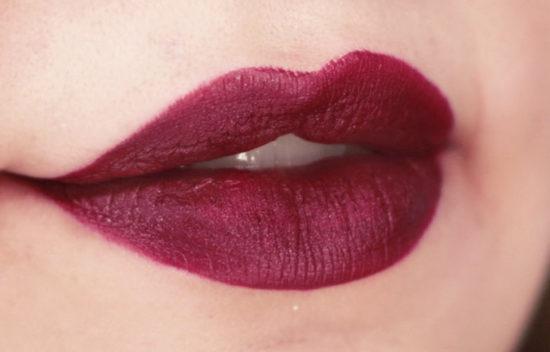 kylie-jenner-heir-lipstick-metal-metalizado-beleza-batom-matte-liquido-coachella-2016-dupe-sad-girl-anastasia-pausa-para-feminices-t-blogs-batom-liquido-nacional