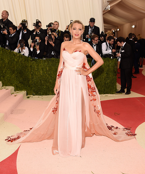 "NEW YORK, NY - MAY 02:  Blake Lively attends ""Manus x Machina: Fashion In An Age Of Technology"" Costume Institute Gala at Metropolitan Museum of Art on May 2, 2016 in New York City.  (Photo by Kevin Mazur/WireImage)"