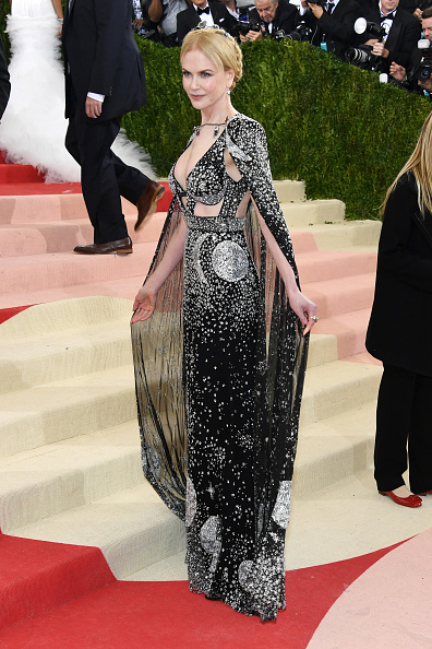 "NEW YORK, NY - MAY 02: Nicole Kidman attends the ""Manus x Machina: Fashion In An Age Of Technology"" Costume Institute Gala at Metropolitan Museum of Art on May 2, 2016 in New York City.  (Photo by Larry Busacca/Getty Images)"