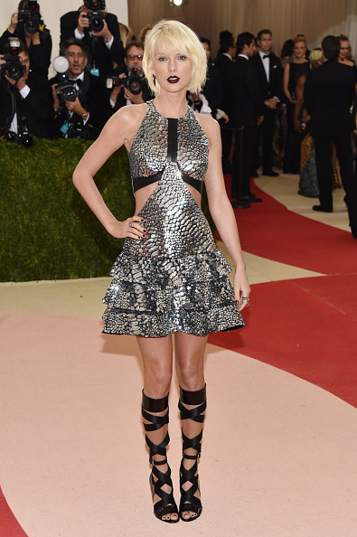 "NEW YORK, NY - MAY 02:  Taylor Swift attends the ""Manus x Machina: Fashion In An Age Of Technology"" Costume Institute Gala at Metropolitan Museum of Art on May 2, 2016 in New York City.  (Photo by John Shearer/Getty Images)"