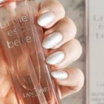 O óleo de cabelo perfumado La Vie Est Belle, da Lancôme