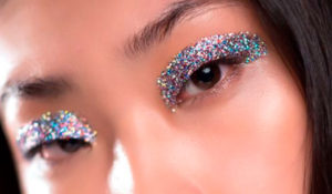 As makes glitterizadas da última temporada de moda