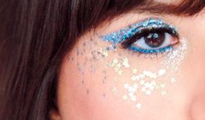 #CarnaStarving: o guia com dicas de como aplicar e remover glitter!
