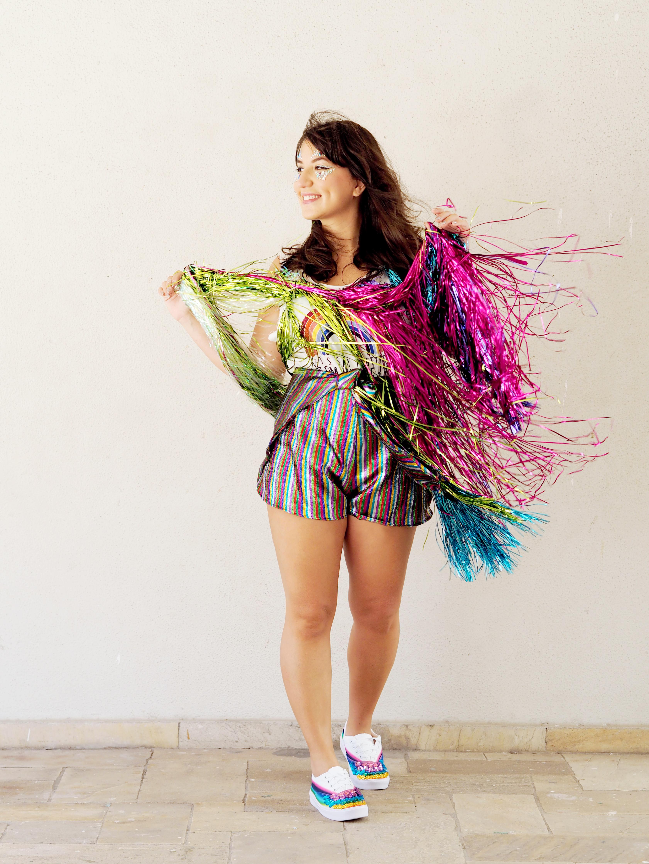 tutorial-diy-dafiti-carnaval-fantasia-arco-iris-rainbow-tenis-chicote